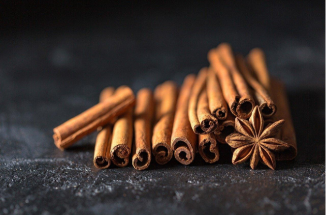 cinnamon sticks and star anise