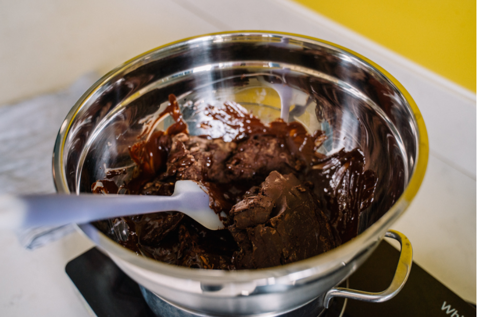 melting chocolate for dipping in bain marie