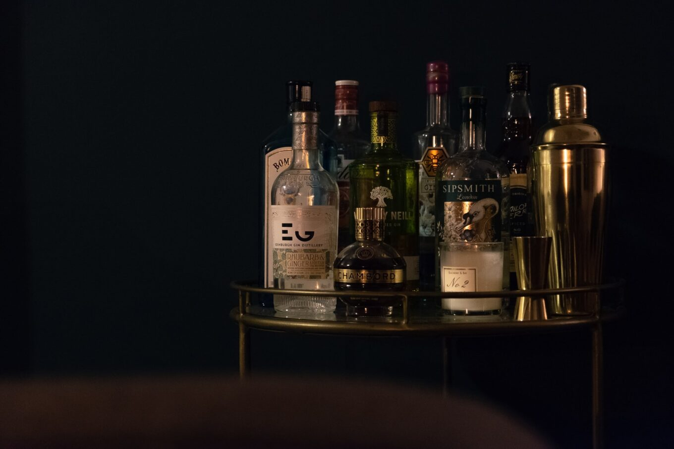 What is gin? Different styles and how to drink them