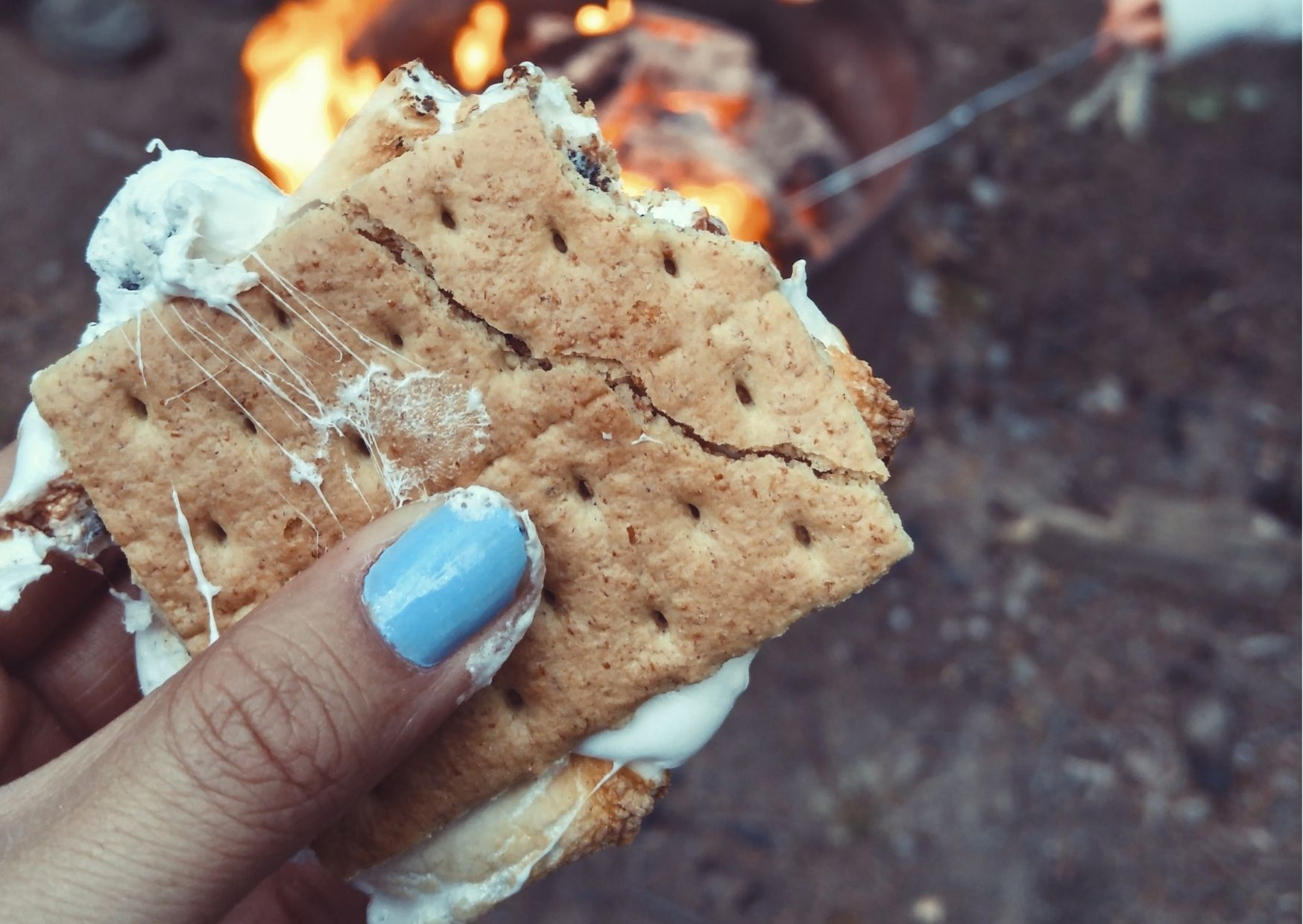 How to make chocolate s'mores