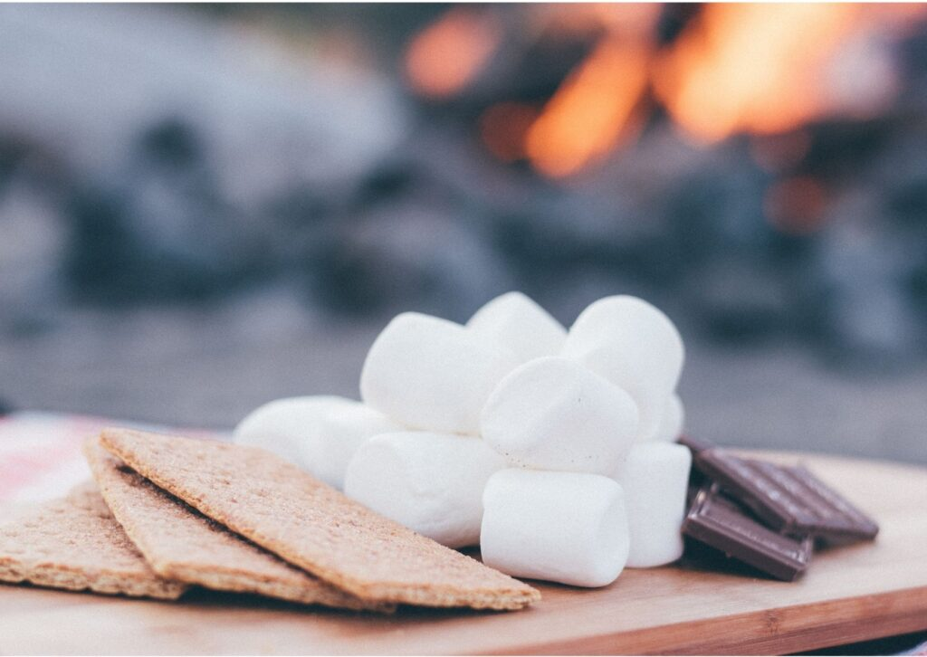 Ingredients for chocolate s'mores