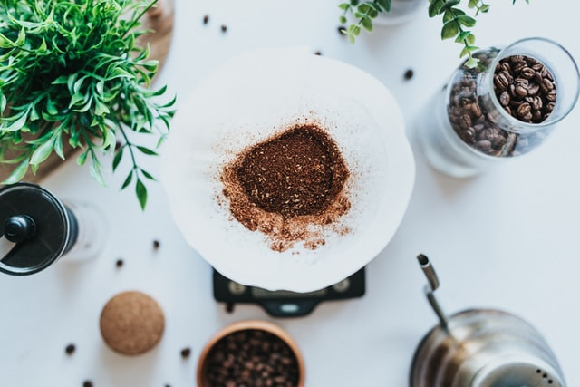 How to reuse coffee grounds in the garden