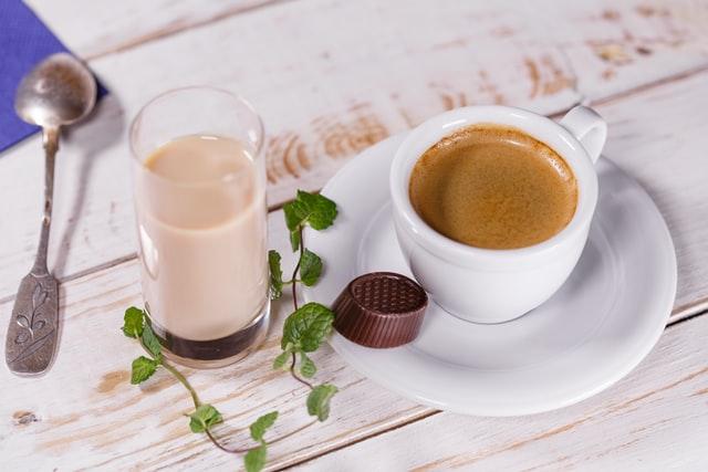 Cream liqueur and coffee