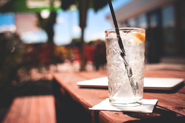 Flavoured gin liqueur